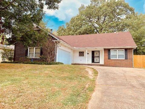 Photo of 1209 W Country Club Ter, Jonesboro, AR 72401