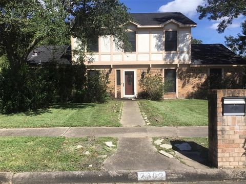 Photo of 2302 Salisbury St, Alvin, TX 77511