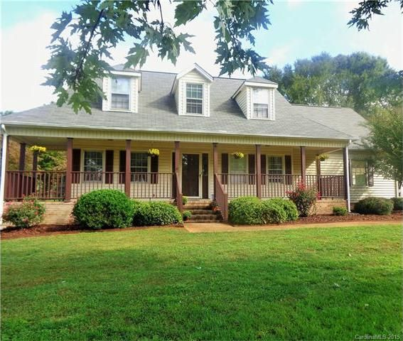 706 Pierce Ave, Mount Holly, NC 28120