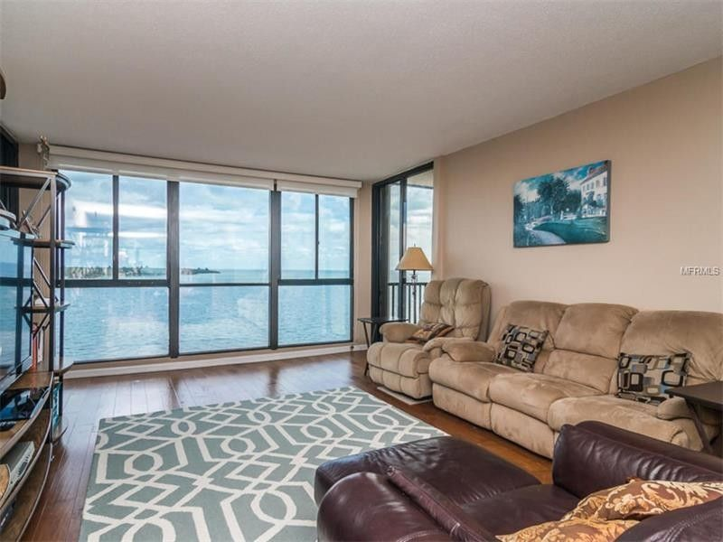 7100 Sunshine Skyway Ln S Apt 707, St Petersburg, FL 33711