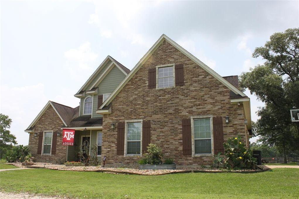 38089 Wiggins Rd, Hempstead, TX 77445