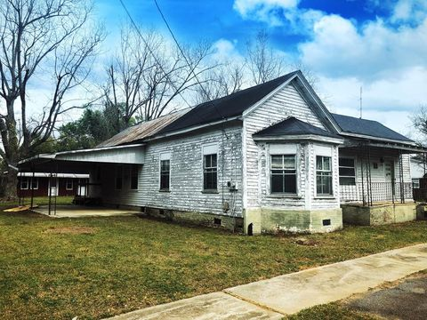 1411 Georgia St, Springfield, SC 29146