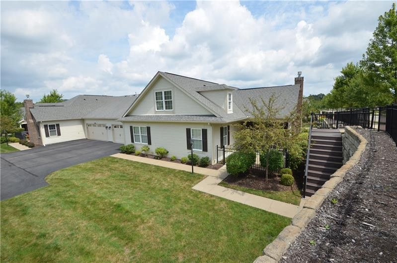 1064 Wealdstone Rd Cranberry Township, PA 16066