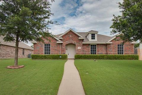 205 Sandy Way, Red Oak, TX 75154