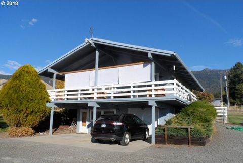 Photo of 69628 Antles Ln, Cove, OR 97824