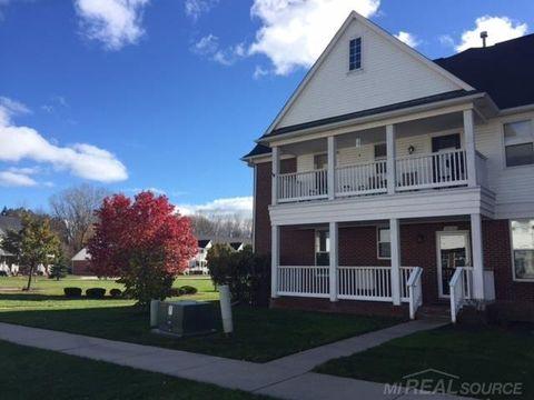 53753 Traditional Dr, Chesterfield, MI 48051