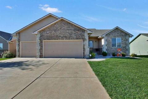 3049 N Rough Creek Rd, Derby, KS 67037