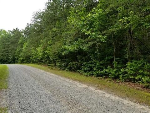 Pirates Bluff Rd, Laneview, VA 22504