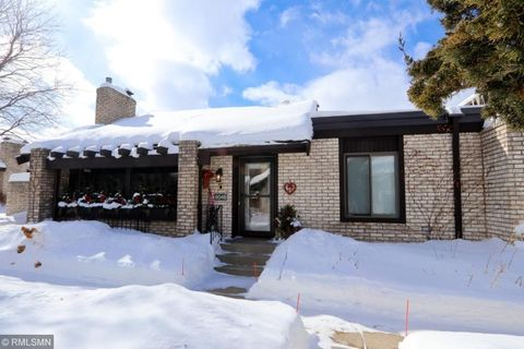 Bloomington Mn Condos Townhomes For Sale Realtorcom