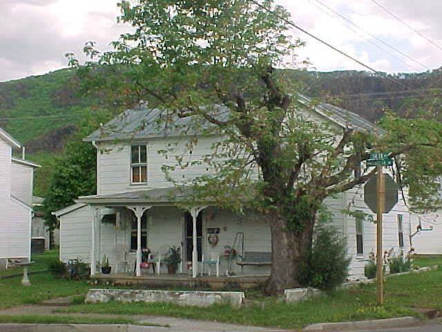 Virginia Property Tax Car >> 1402 Magnolia Ave, Buena Vista, VA 24416 - realtor.com®