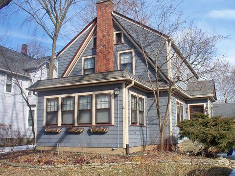 Photo of 204 S Commonwealth Ave, Aurora, IL 60506