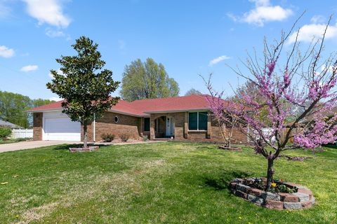 Photo of 3232 S Greenbriar Ave, Springfield, MO 65804