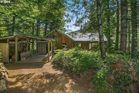 Photo of 18815 E Aschoff Rd, Rhododendron, OR 97049