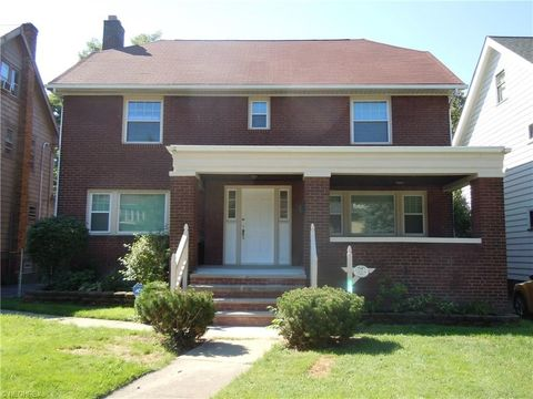 12956 Cedar Rd, Cleveland Heights, OH 44118