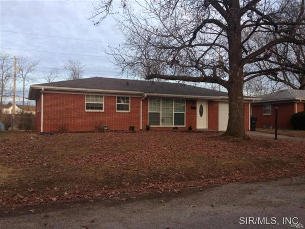 52 Gatewood Ct, Belleville, IL 62226