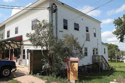 Photo of 150 W 2nd St, Marquette, WI 53946