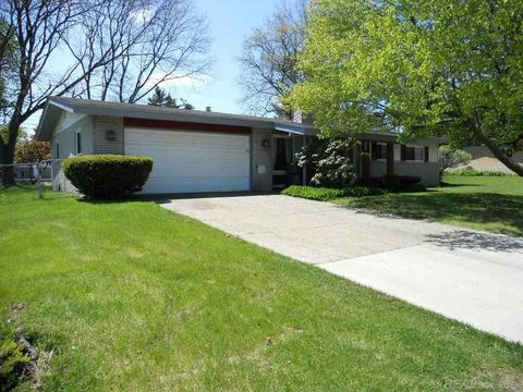 8536 23 Mile Rd, Shelby Township, MI 48316