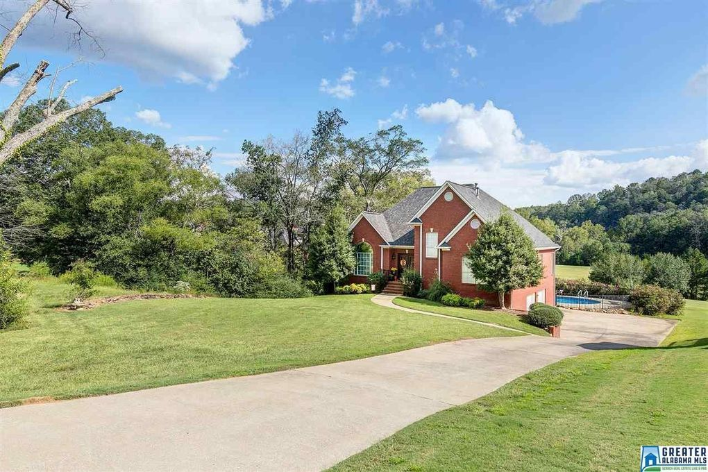 7967 Country Club Dr, Trussville, AL 35173