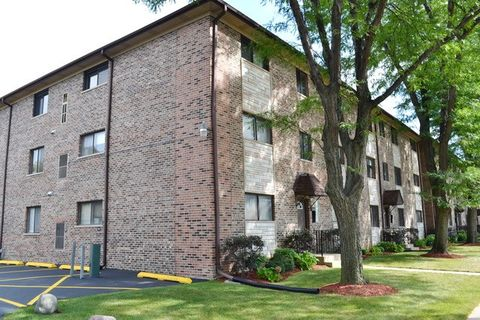 7616 W Lawrence Ave Unit 2 A, Harwood Heights, IL 60706