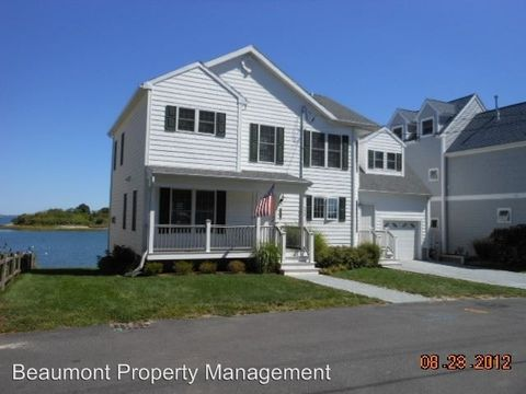 Photo of 226 Rock Island Rd, Quincy, MA 02169