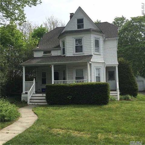 78 Clinton Ave, Huntington, NY 11743