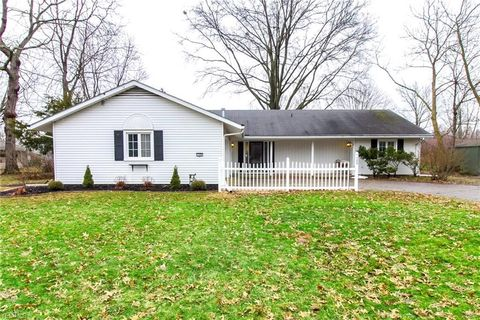 Photo of 108 Barberry Dr, Berea, OH 44017