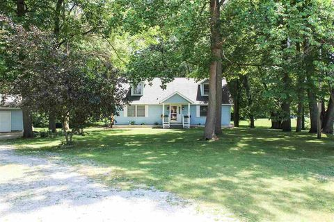 9481 E Doswell Blvd, Cromwell, IN 46732