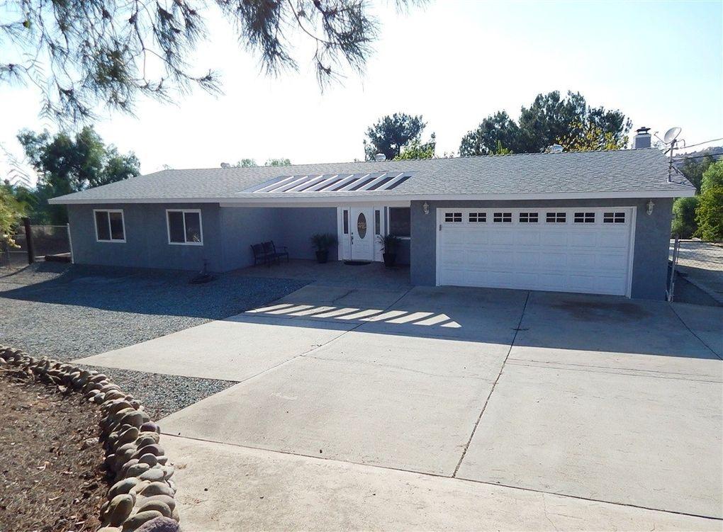 534 Pine St, Ramona, CA 92065