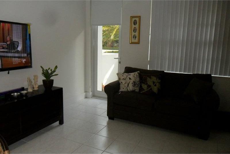 100 Lincoln Rd Unit 332, Miami Beach, FL 33139