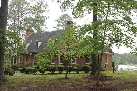 Photo of 149 Tall Pines Ln, Mathews, VA 23109