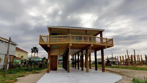 Photo of 935 A Eastview Dr, Crystal Beach, TX 77650
