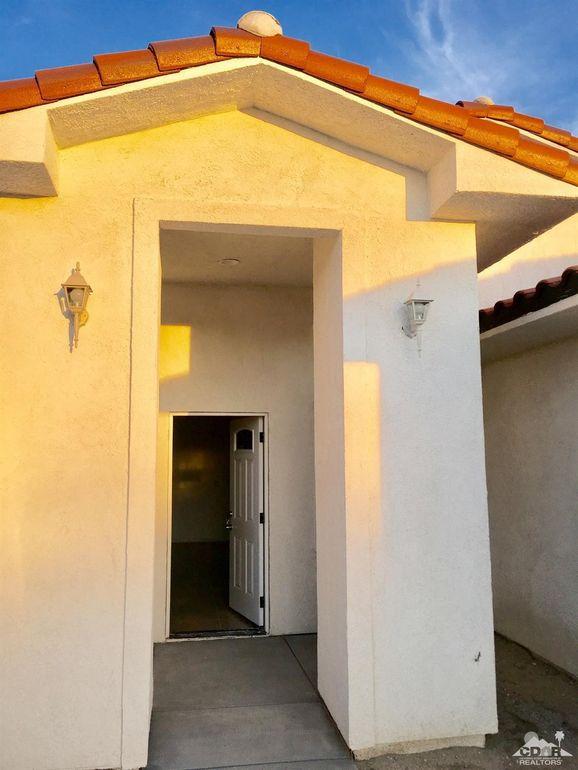 13502 Caliente Dr, Desert Hot Springs, CA 92240