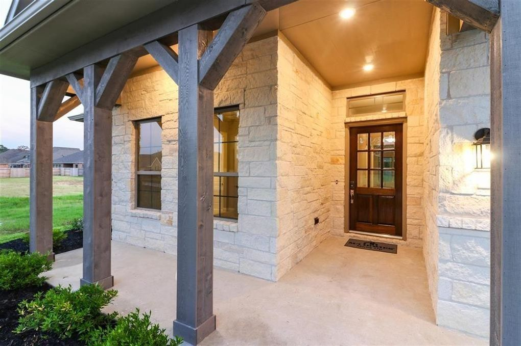 18906 Arnold Creek Dr, New Caney, TX 77357