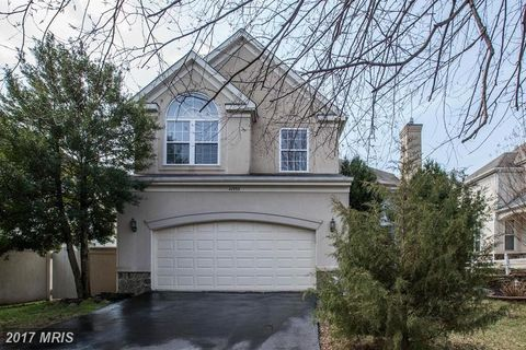 42993 Hedgeapple Ct, Ashburn, VA 20147