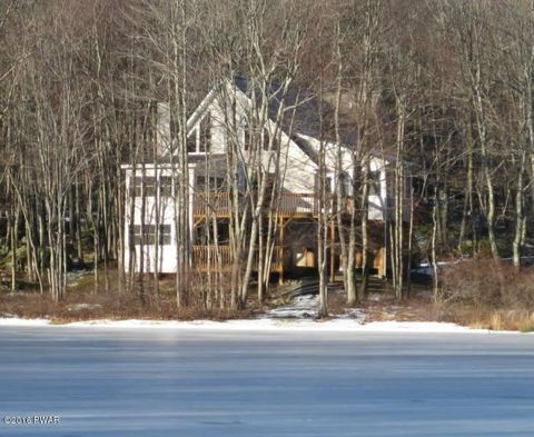 107 Granite Dr, Lords Valley, PA 18428