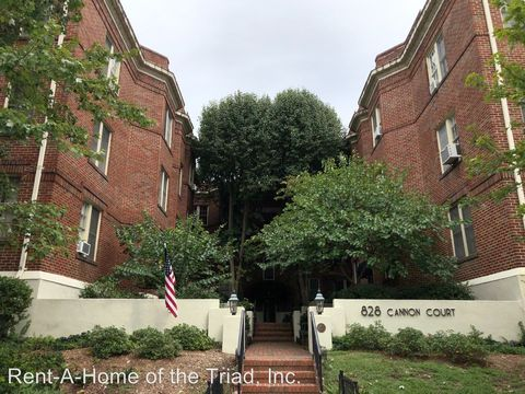 Photo of 828 2 N Elm St, Greensboro, NC 27401
