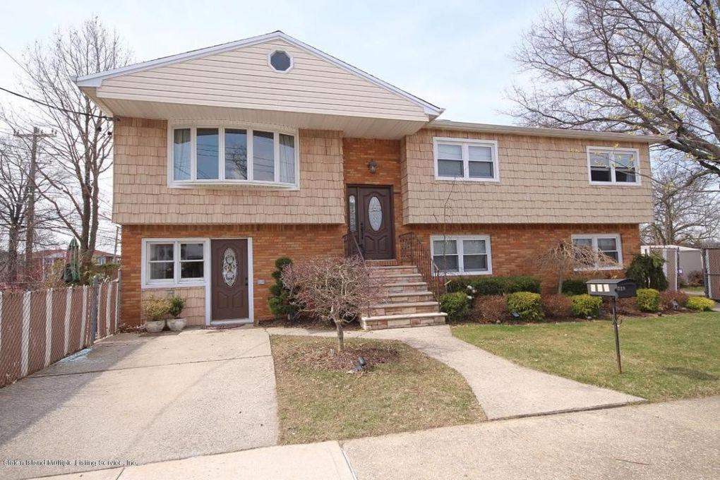 729 Woodrow Rd, Staten Island, NY 10312