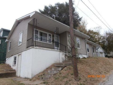 114 20th St, Hannibal, MO 63401