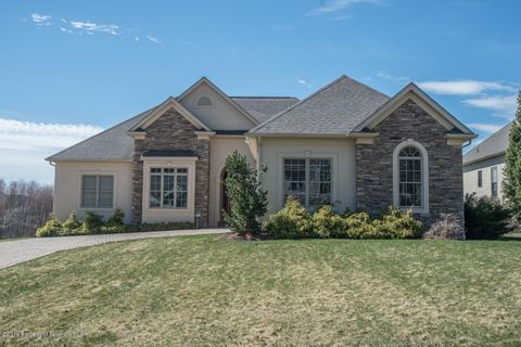 Photo of 1010 Summerfield Dr, Waverly, PA 18471