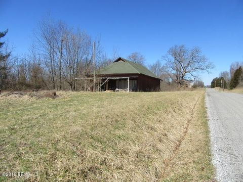 Photo of 15355 N Campground Ln, Mount Vernon, IL 62864