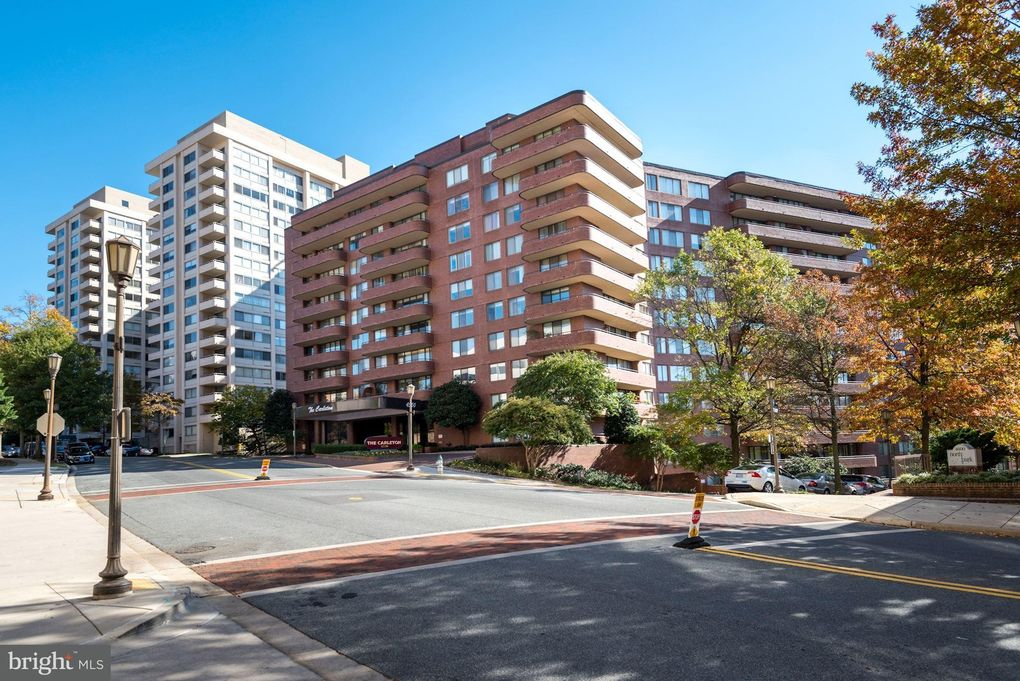 4550 N Park Ave Apt 412, Chevy Chase, MD 20815