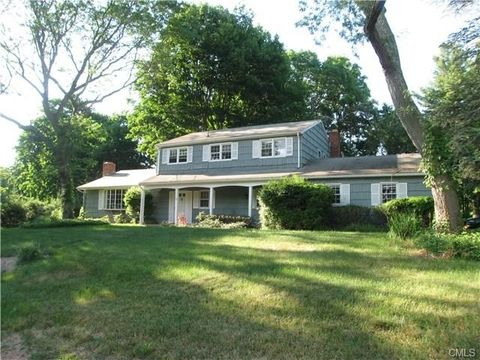 9 Round Pond Rd, Westport, CT 06880