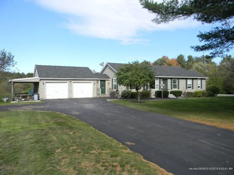 Photo of 228 Foreside Rd, Cumberland, ME 04110
