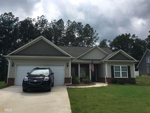 6615 Station Dr, Clermont, GA 30527