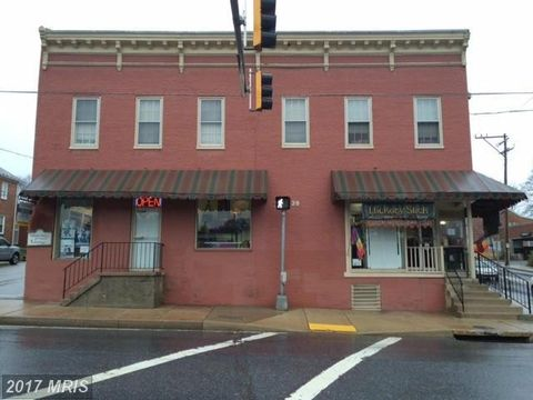 28 Liberty St, Westminster, MD 21157