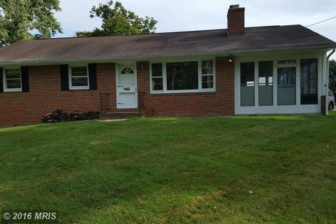 7000 Woodscape Dr, Clarksville, MD 21029