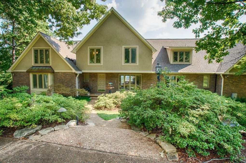 11116 Crown Point Dr, Knoxville, TN 37934