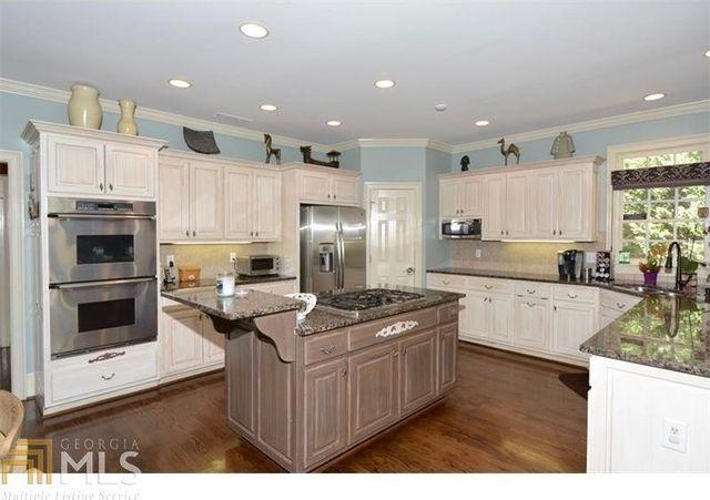 5705 Laurel Oak Dr, Suwanee, GA 30024 - Kitchen