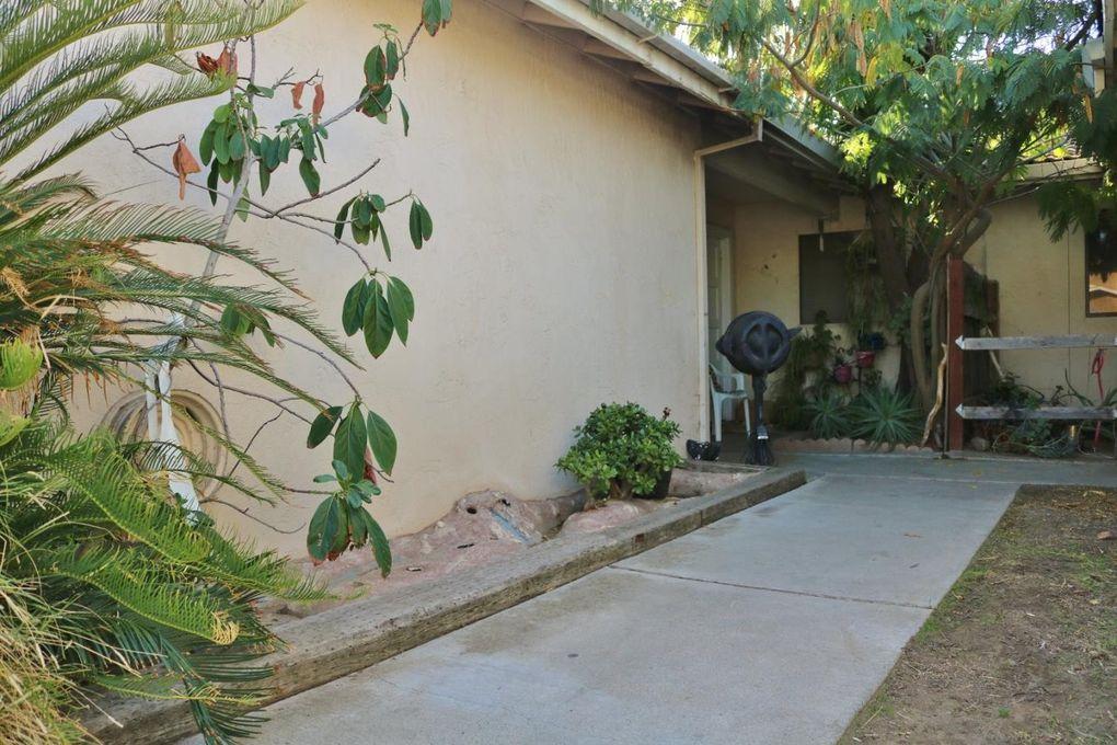 1283 Spruce Ln, Manteca, CA 95336