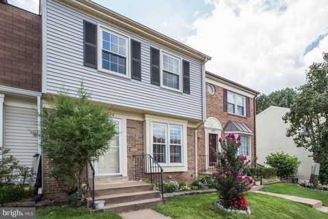 14429 Four Chimney Dr, Centreville, VA 20120
